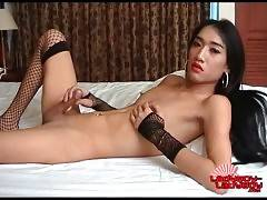 Awesome Ladyboy Aom Enjoys Jerk Off 4