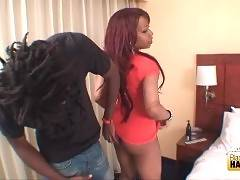 Awesome ebony tranny invites guy to her room.