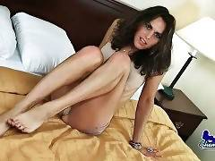 Lovely Tranny Kelli Lox Does Awesome Solo 1